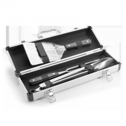 Barbecue case containing 3 kitchen utensils